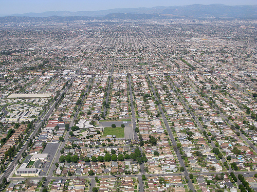 is urban sprawl a cause for concern Urban sprawl and the automobile urban sprawl is a widespread concern that impacts land use, transportation, social and economic development, and most importantly our health poorly planned development is threatening our health, our environment and our quality of life.